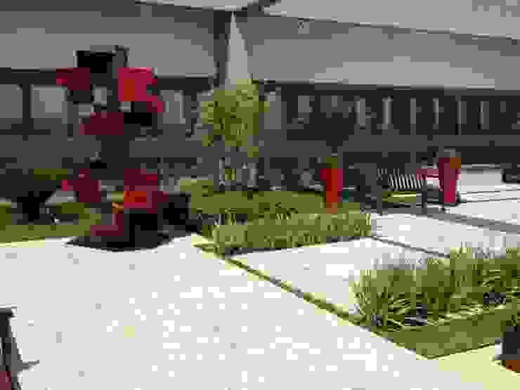 Tribunal Superior do Trabalho Edifícios comerciais modernos por Fabio Camargo Paisagismo Moderno