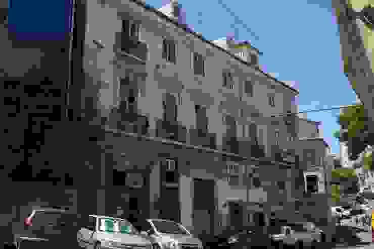 Old facade de Andre Espinho Arquitectura Minimalista