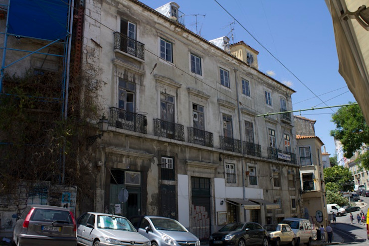 Old facade por Andre Espinho Arquitectura Minimalista