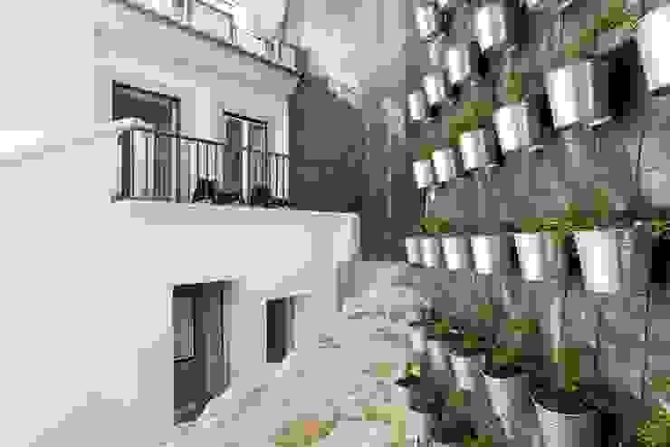 ที่เรียบง่าย  โดย Andre Espinho Arquitectura, มินิมัล