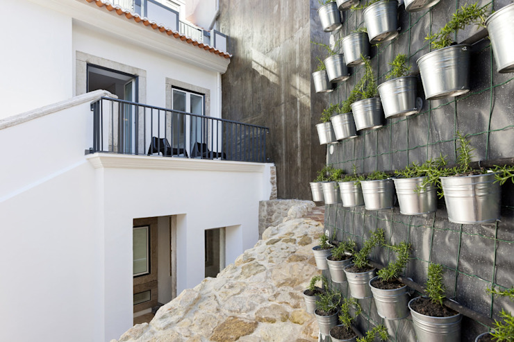 Patio por Andre Espinho Arquitectura Minimalista