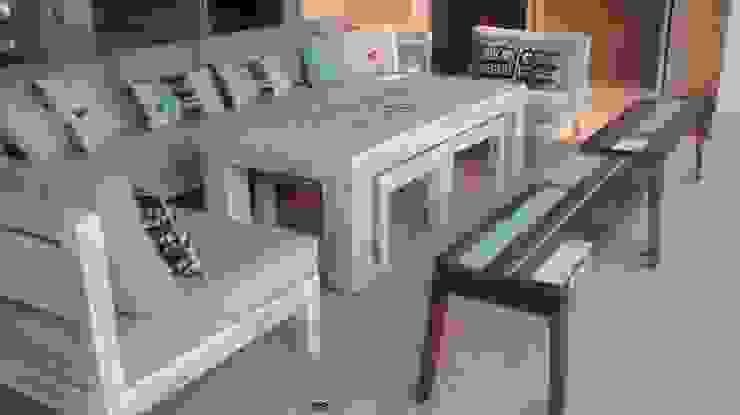 Mobiliario en decapado gris de El Naranjo Mediterráneo Madera maciza Multicolor