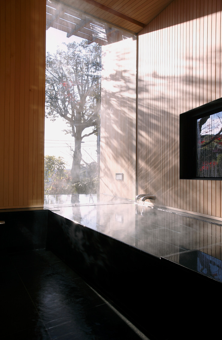 atami kk-house モダンスタイルの お風呂 の 株式会社コヤマアトリエ一級建築士事務所 モダン