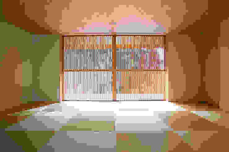 Dormitorios de estilo moderno de 株式会社コヤマアトリエ一級建築士事務所 Moderno