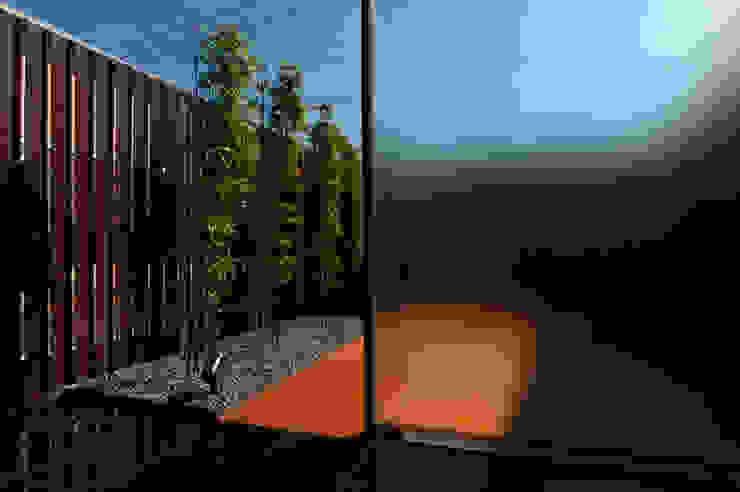 saga iy-house: 株式会社コヤマアトリエ一級建築士事務所が手掛けた庭です。,モダン