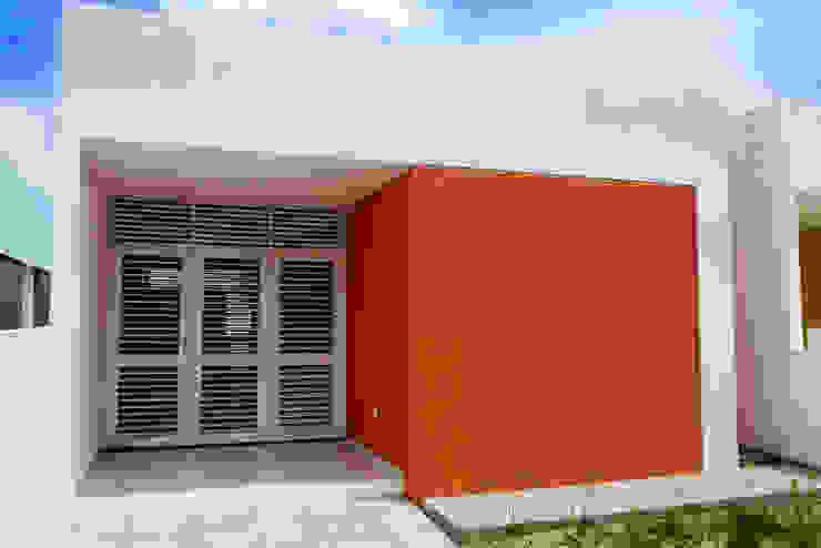 Casas de estilo  por Martins Lucena Arquitetos