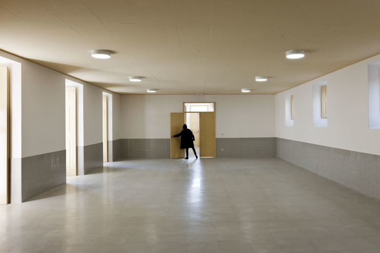 Multipurpose Room por atelier Jordana Tomé Vitor Quaresma