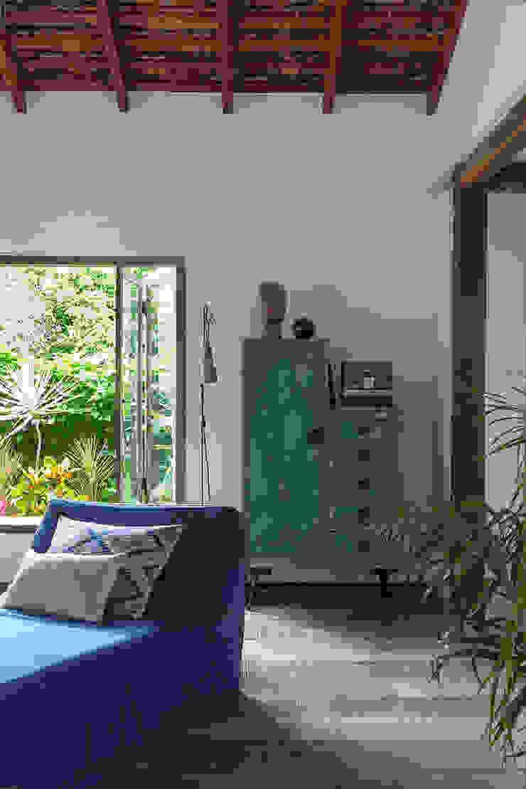 Vida de Vila Living room Solid Wood Blue