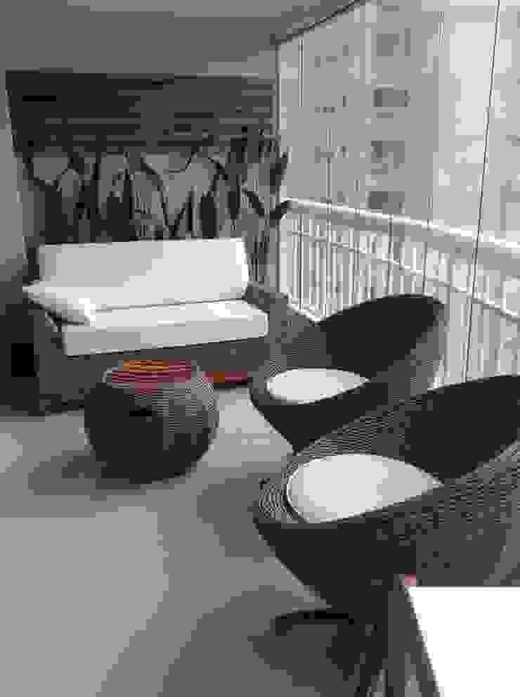 Desenho e Decoração de Apartamento no Bairro de Fátima, Fortaleza Varandas, alpendres e terraços modernos por 4R Arquitetura Moderno