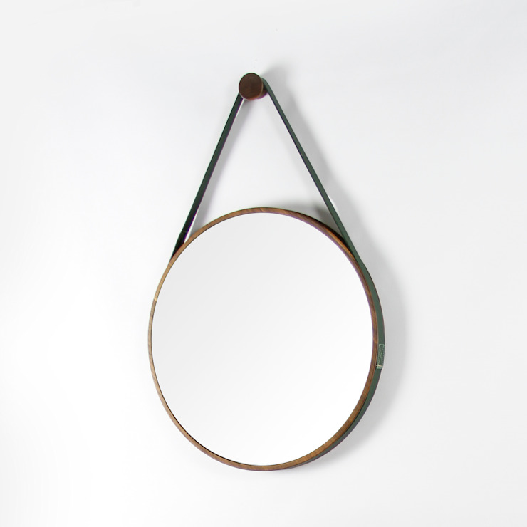 Loop Mirror de Noble and Wood Clásico Madera Acabado en madera