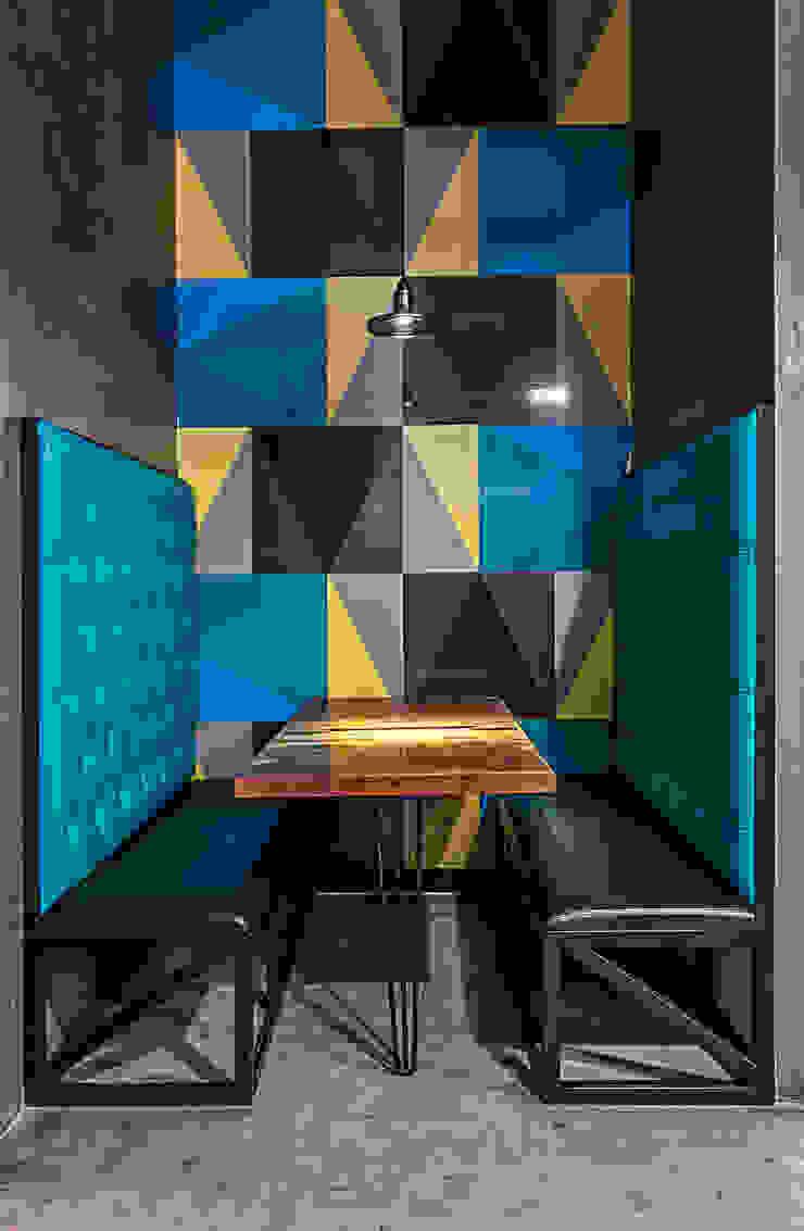 Comedores modernos de SZTUKA Laboratorio Creativo de Arquitectura Moderno
