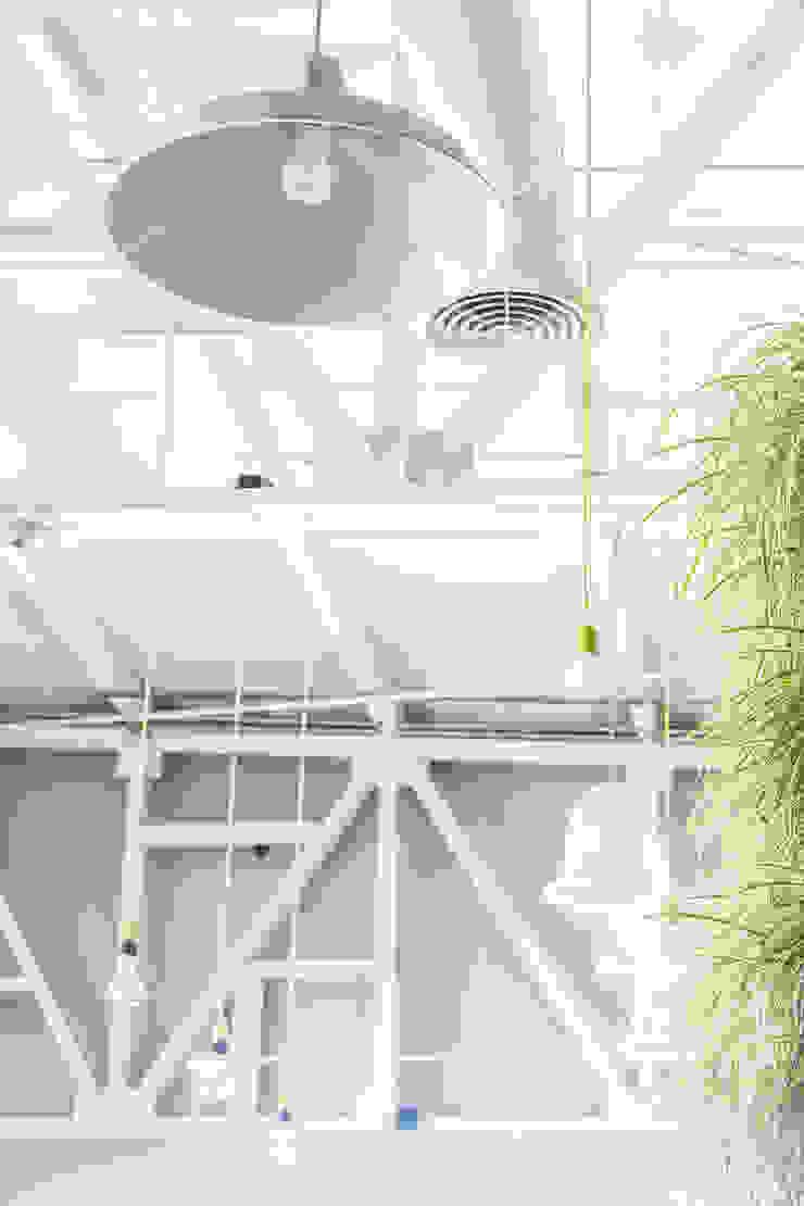 Comedores industriales de SZTUKA Laboratorio Creativo de Arquitectura Industrial