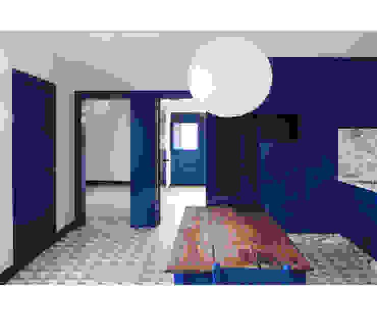 Casa Caseiros Salas de estar campestres por SAMF Arquitectos Campestre