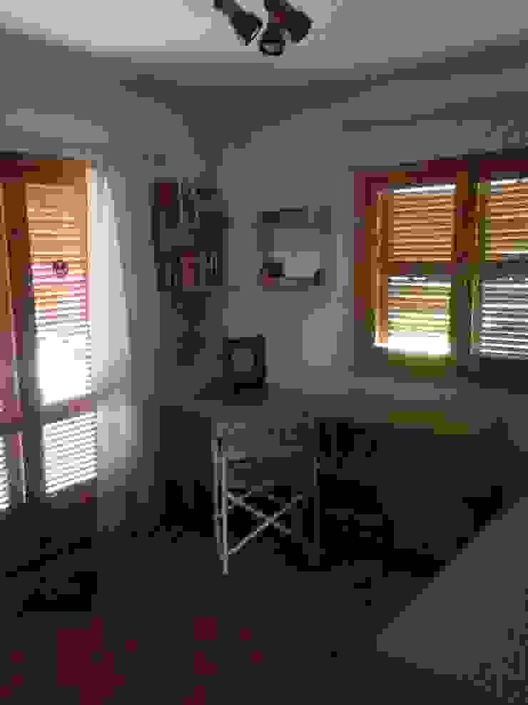 Casa de VV, en La Cañada acertus Dormitorios de estilo moderno