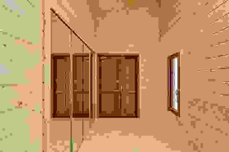 Fenêtres & Portes modernes par 株式会社山崎屋木工製作所 Curationer事業部 Moderne
