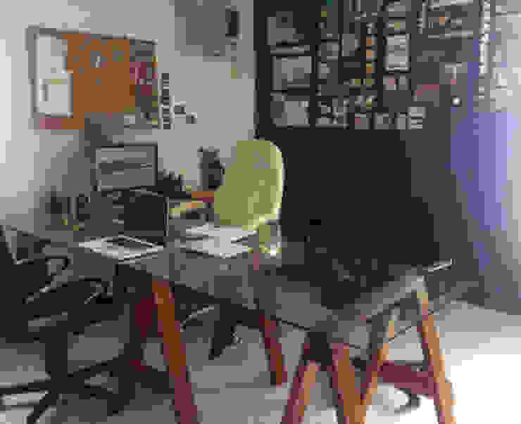 Punto Libre Arquitectura Study/officeDesks