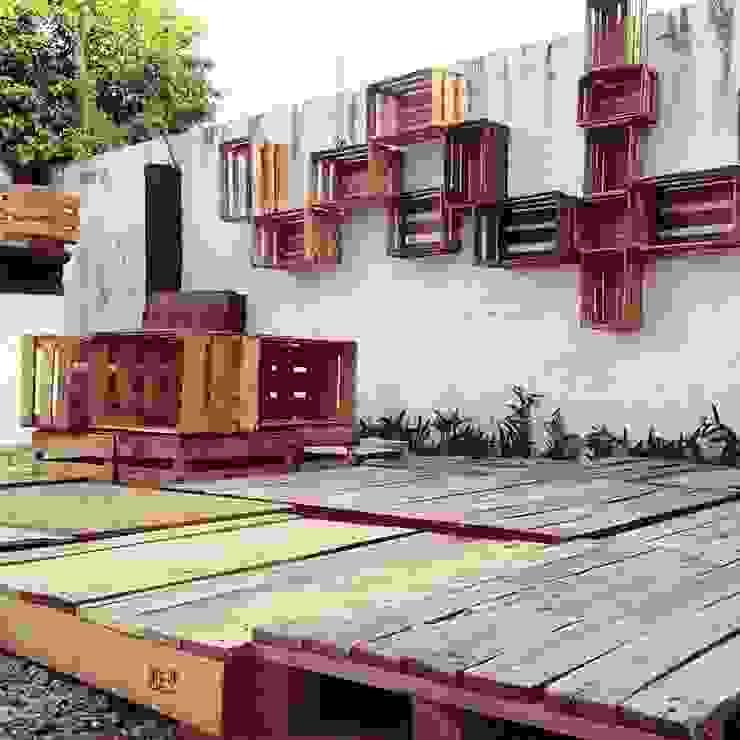 Punto Libre Arquitectura Balconies, verandas & terraces Furniture