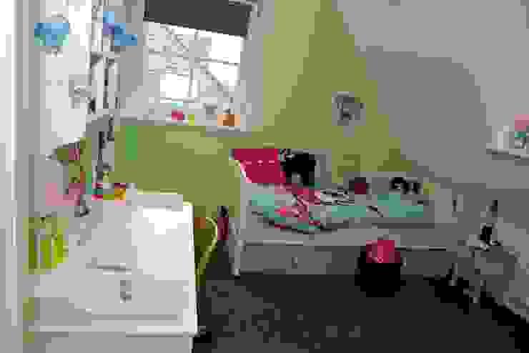 Zicht op slaapplek Moderne kinderkamers van Aangenaam Interieuradvies Modern