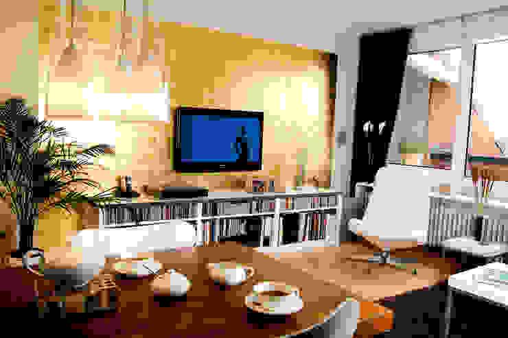 Gold macht glücklich Raumagentur - ArteFakt Moderne Wohnzimmer