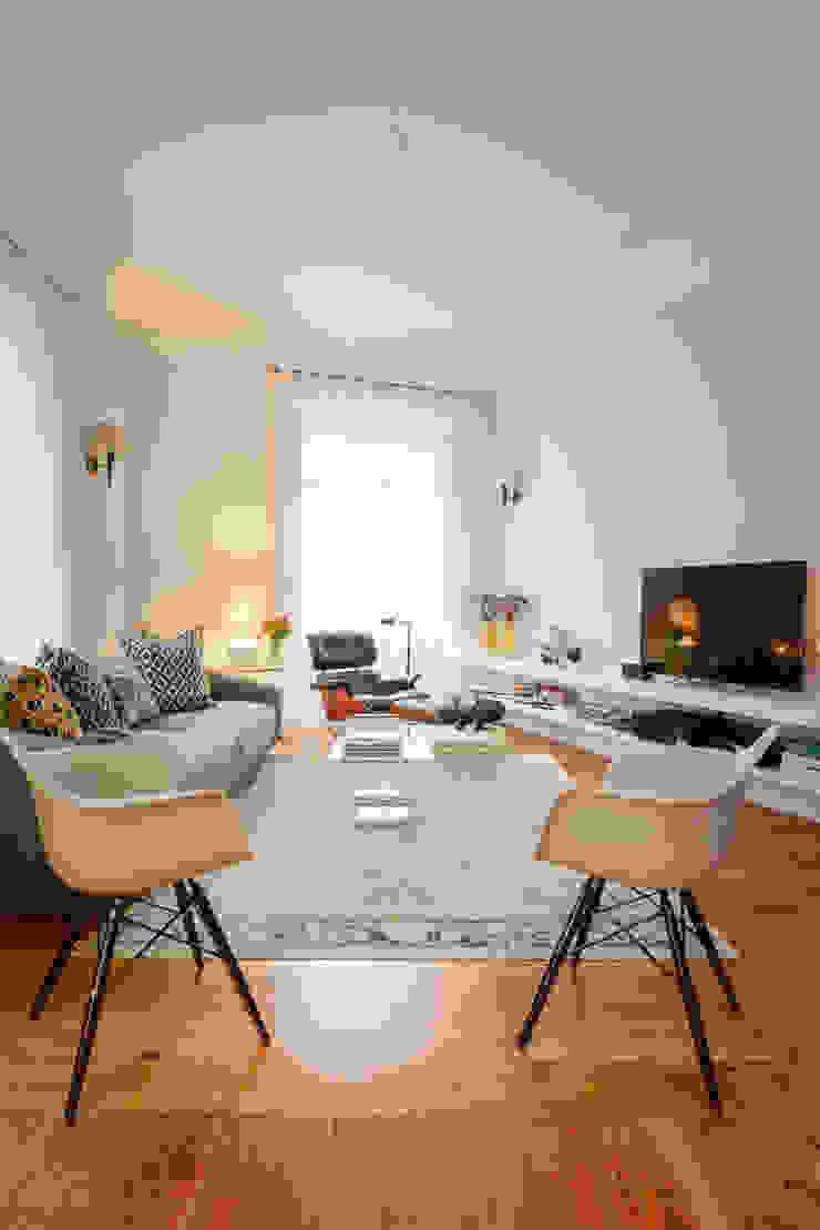 Modern Living Room by LAVRADIO DESIGN Modern