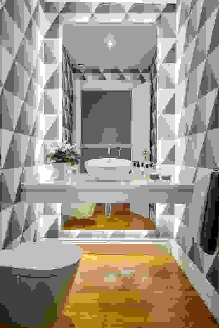 Modern Bathroom by LAVRADIO DESIGN Modern