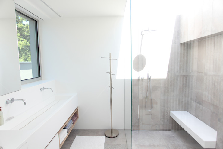 모던스타일 욕실 by Neugebauer Architekten BDA 모던