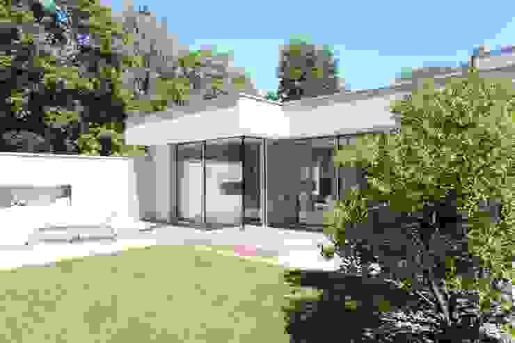 Nowoczesne domy od Neugebauer Architekten BDA Nowoczesny