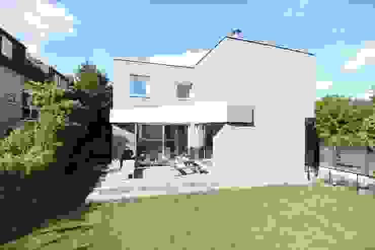 Сад в стиле модерн от Neugebauer Architekten BDA Модерн