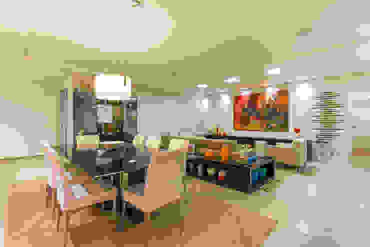 Sala de Jantar por CASA Arquitetura e design de interiores Eclético