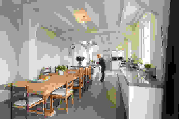 Nhà bếp phong cách hiện đại bởi Tieleman Keukens Hiện đại