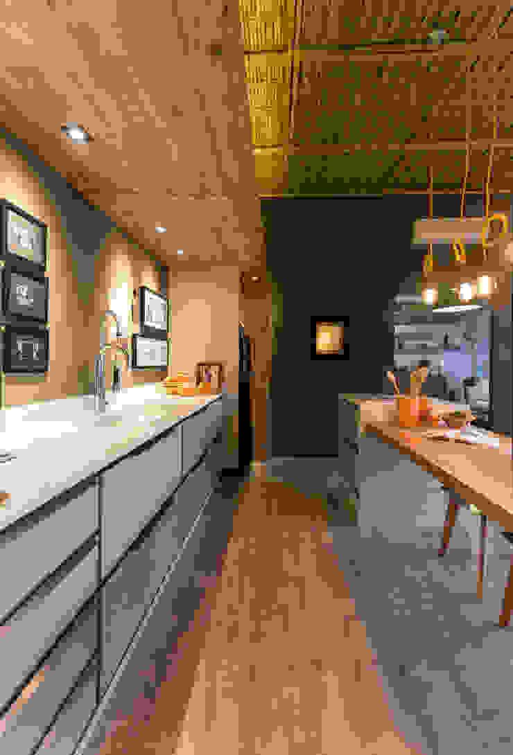 Jean Felix Arquitetura KitchenBench tops MDF Wood effect