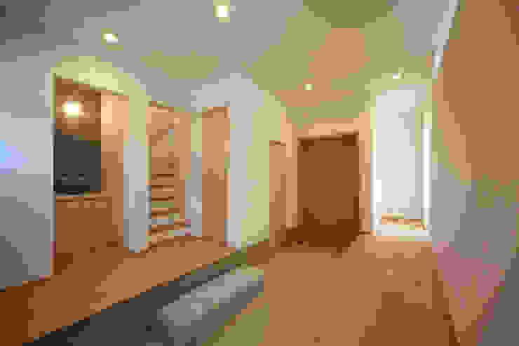 船原町の家 モダンスタイルの 玄関&廊下&階段 の 加門建築設計室 モダン