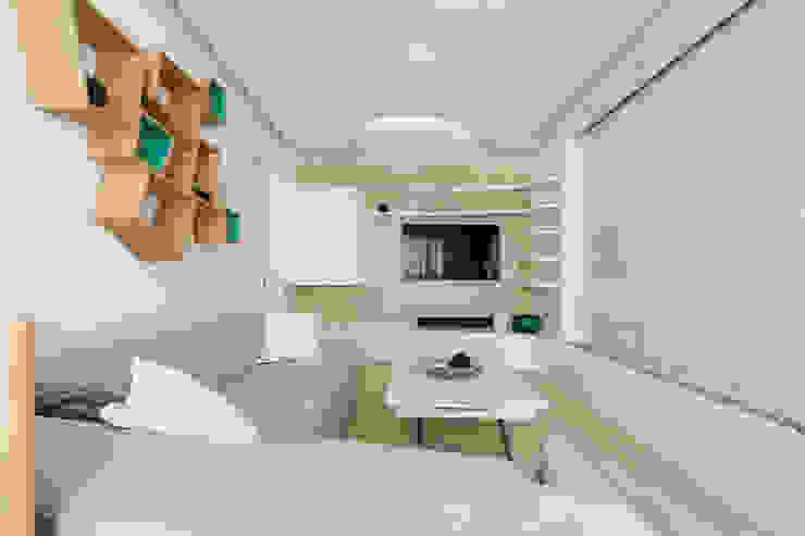 Михаил Новинский (MNdesign) Minimalist living room White