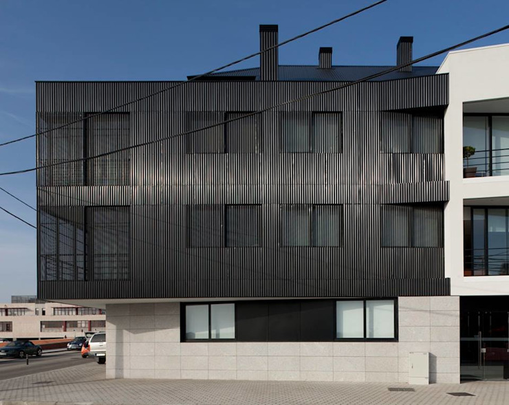 Santiago - Alçado lateral Casas modernas por Sónia Cruz - Arquitectura Moderno