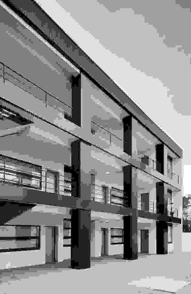 Santiago - Galeria de distribuição Casas modernas por Sónia Cruz - Arquitectura Moderno