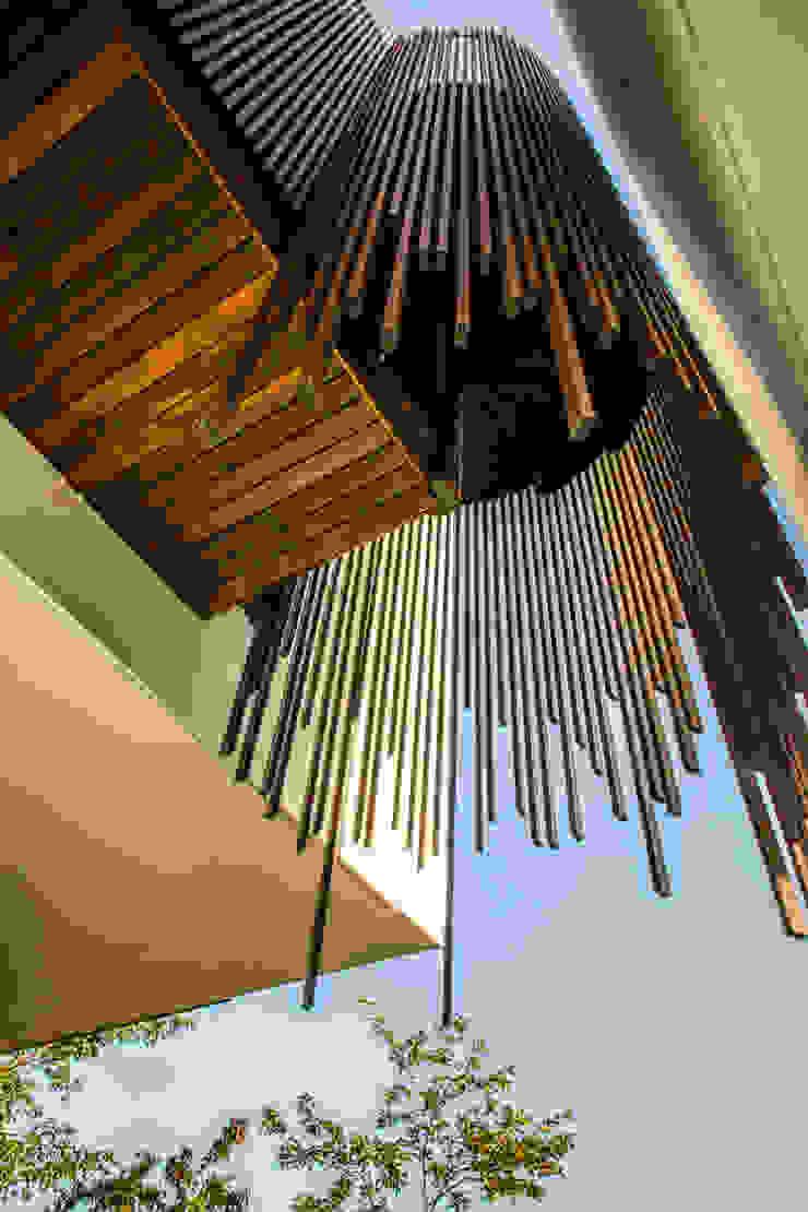 OM Pasillos, vestíbulos y escaleras modernos de FGO Arquitectura Moderno