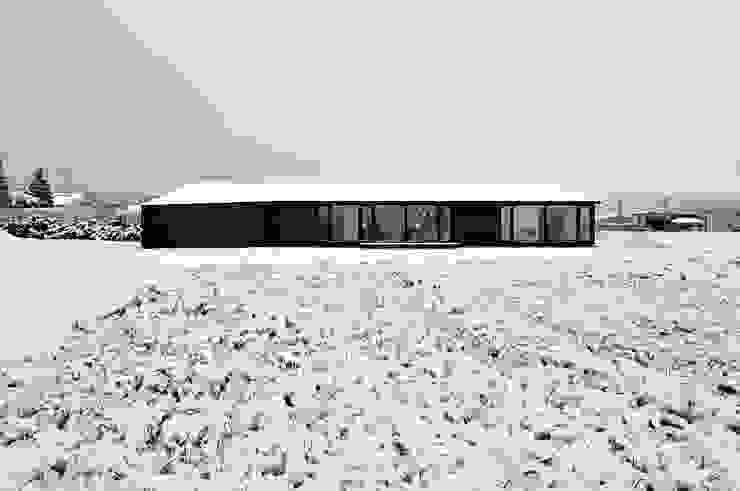 現代房屋設計點子、靈感 & 圖片 根據 TAC一級建築士事務所 現代風