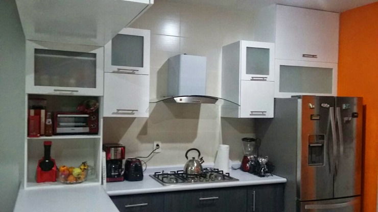 FLO Arte y Diseño Moderne Küchen Holzspanplatte Weiß