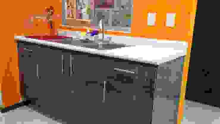 FLO Arte y Diseño Modern kitchen Chipboard Grey