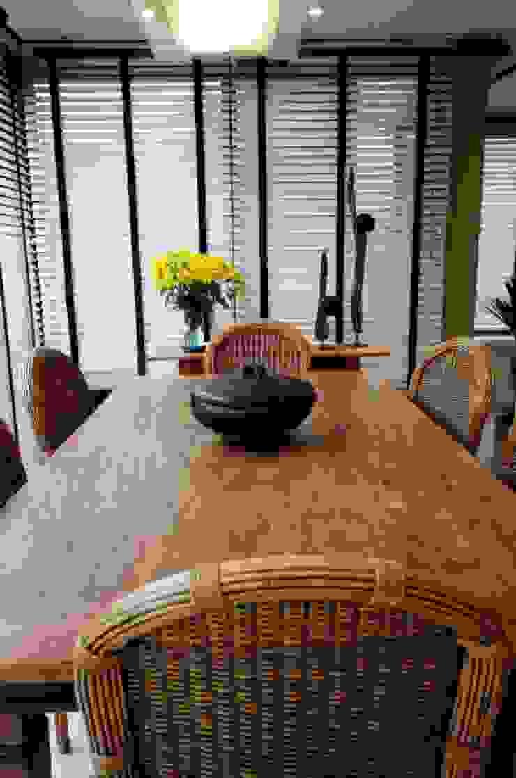Residencial Unifamiliar Salas de jantar ecléticas por Marcelo John Arquitetura e Interiores Eclético