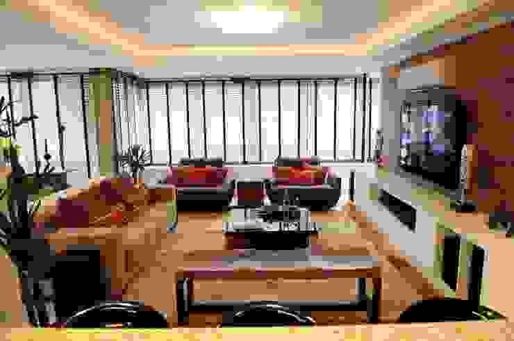 Residencial Unifamiliar Salas de estar ecléticas por Marcelo John Arquitetura e Interiores Eclético