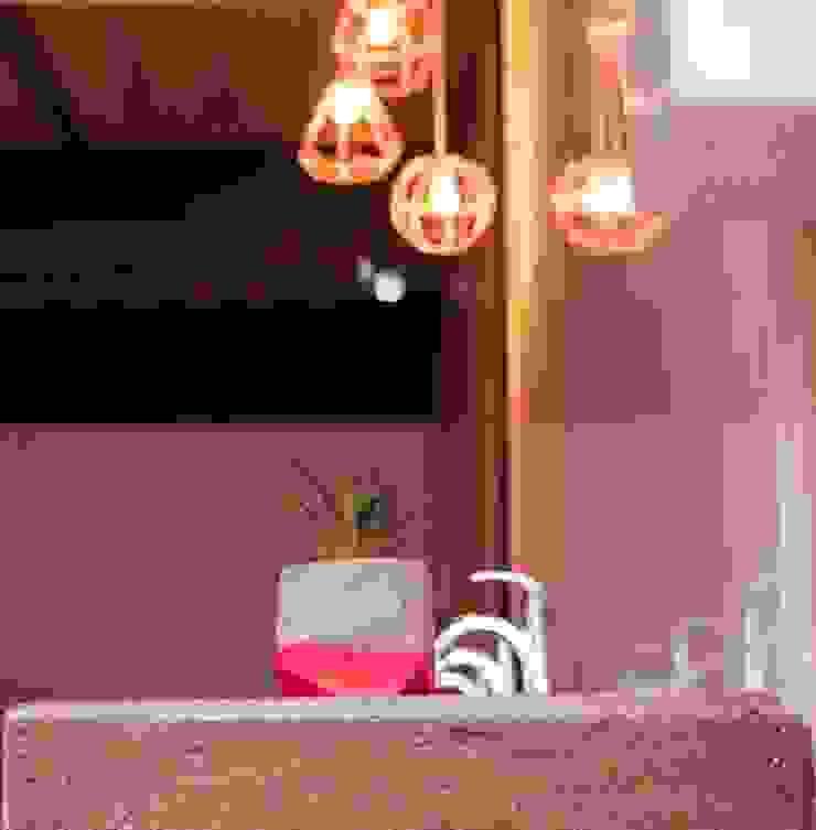 RUMO Rosa:  de estilo industrial por Pitaya, Industrial Piedra