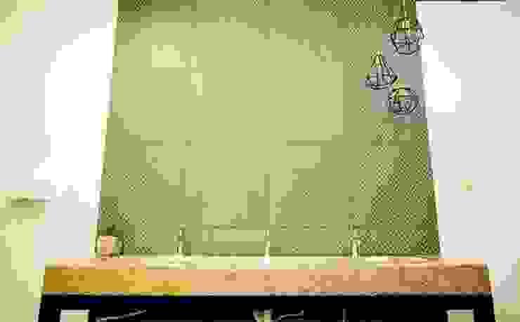 RUMO:  de estilo industrial por Pitaya, Industrial Piedra