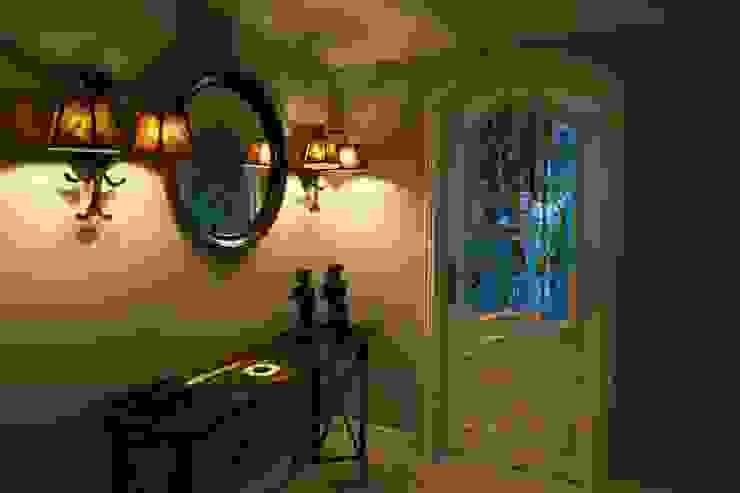 Pasillos, vestíbulos y escaleras de estilo moderno de Bozantı Mimarlık Moderno