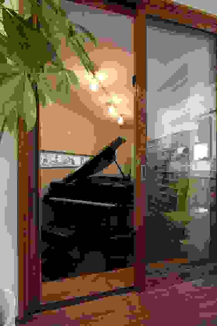 ピアノと暮らす家 北欧デザインの 多目的室 の アトリエグローカル一級建築士事務所 北欧