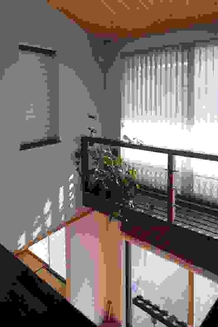 ピアノと暮らす家 北欧スタイルの 玄関&廊下&階段 の アトリエグローカル一級建築士事務所 北欧