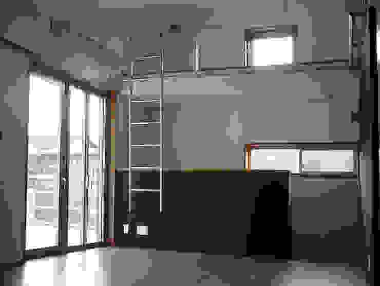 高円寺の家 モダンデザインの 多目的室 の 川村崇建築計画事務所 モダン