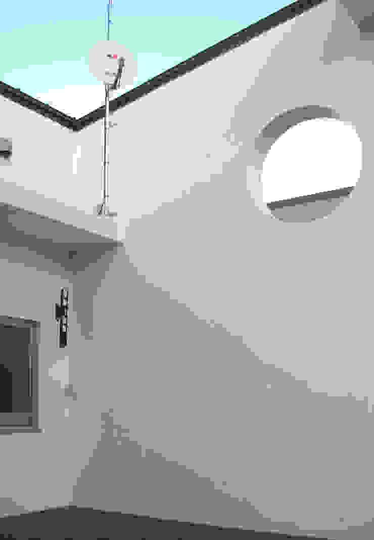 高円寺の家 モダンデザインの ドレッシングルーム の 川村崇建築計画事務所 モダン