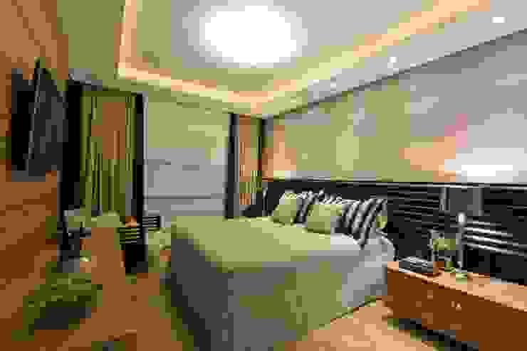 Apartamento Orla Marítima Quartos modernos por ANNA MAYA ARQUITETURA E ARTE Moderno Sintético Castanho