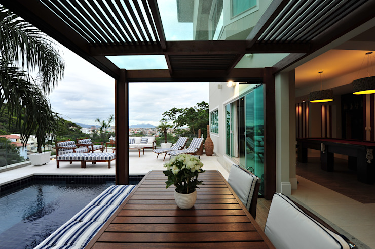 Modern terrace by ANNA MAYA ARQUITETURA E ARTE Modern Solid Wood Multicolored